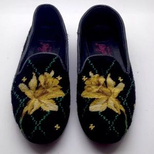 PAIGE Needlepoint Daffodil Flower Loafer 6.5 RARE